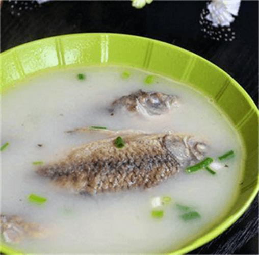 簡單炸小鯽魚湯