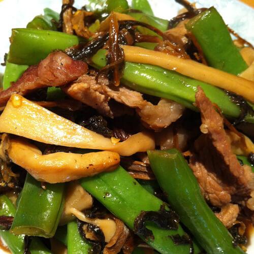 美味的笋干菜炒四季豆