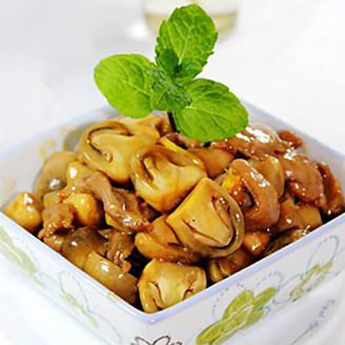 美味的草菇炒蒜苔
