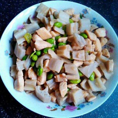 爽口的毛豆炒嫩藕