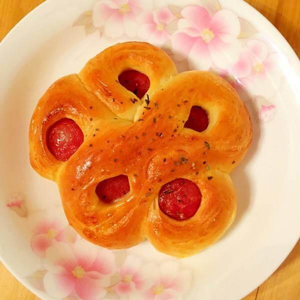 香喷喷的南瓜花式面包