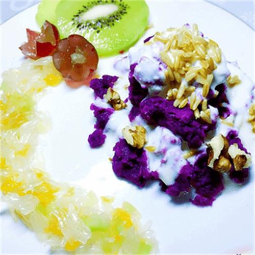 美味的紫薯玉米沙拉