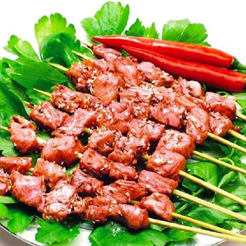 美味的电烤箱烤羊肉串