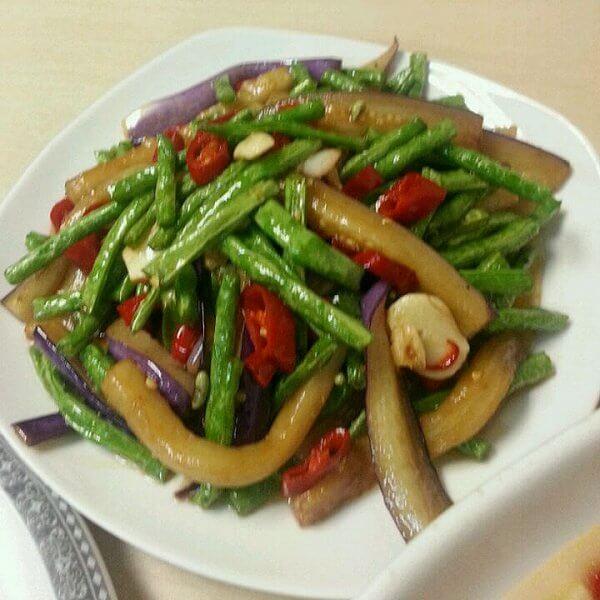 美味的豇豆燒茄子的做法