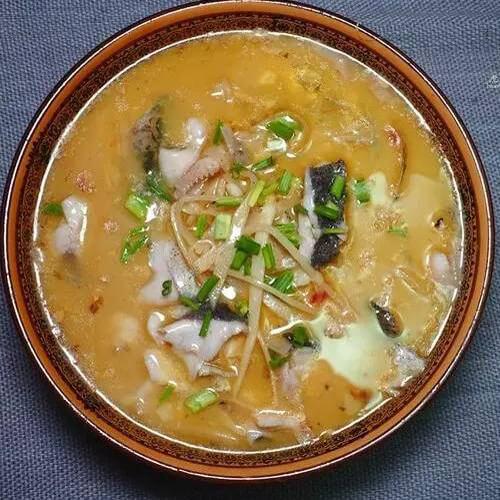 好吃的好吃的酸筍魚湯