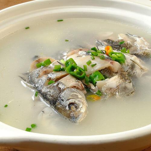 美味的豆腐鲫鱼汤