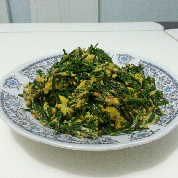 美味的虾皮炒韭菜