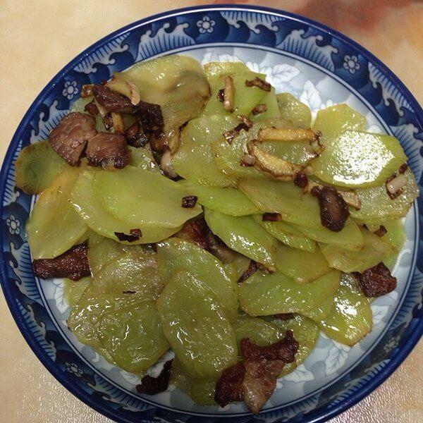 美味的莴苣炒肉片的做法