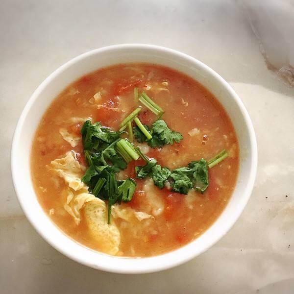 美味的酸菜疙瘩汤