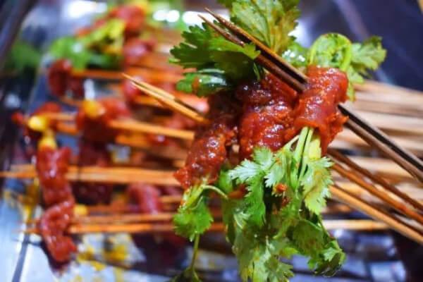啵啵鲜牛肉串串香加盟优势