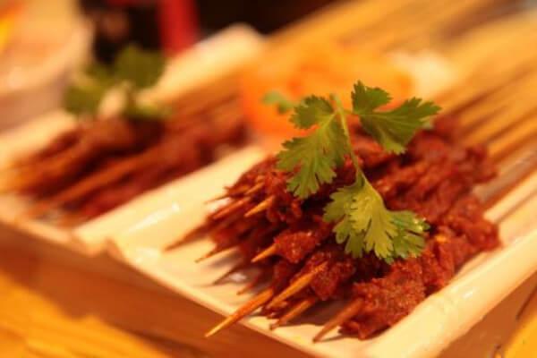 啵啵鲜牛肉串串香加盟流程