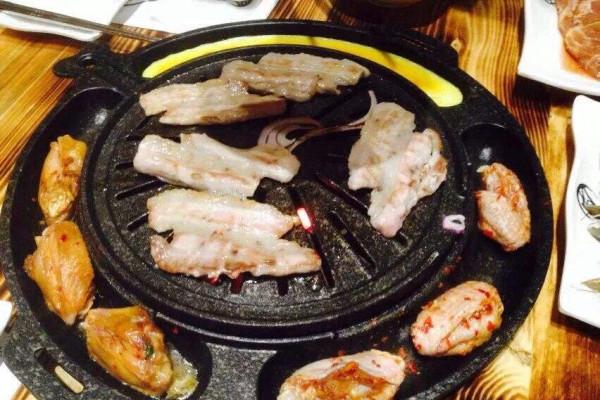 无限量自助烤肉火锅品牌介绍