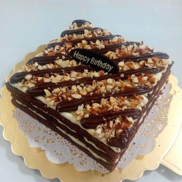 夹芯版杏仁巧克力蛋糕
