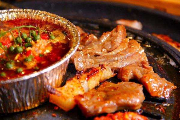 乐烧自助烤肉加盟条件