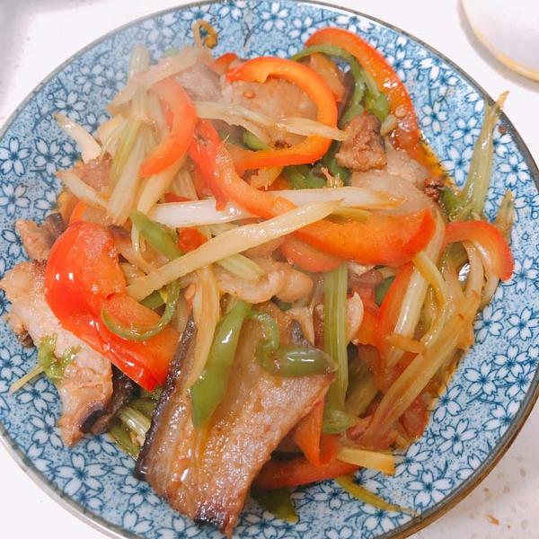芹菜炒臘肉的做法