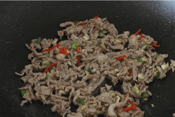 家常简单自制鱼香肉丝的做法第七步