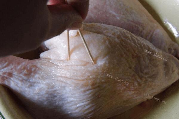 香酥的脆皮烤鸭吃过不能忘,回味无穷第一步