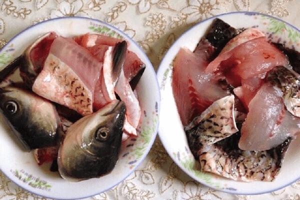 好吃的火锅鱼的做法这里有第一步