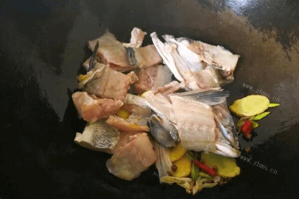美味的清汤鱼火锅做法超级简单哟第五步
