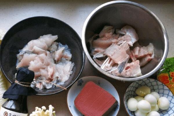 美味的清汤鱼火锅做法超级简单哟第二步