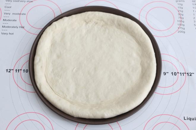 好吃的培根披萨当然要这么做第二步