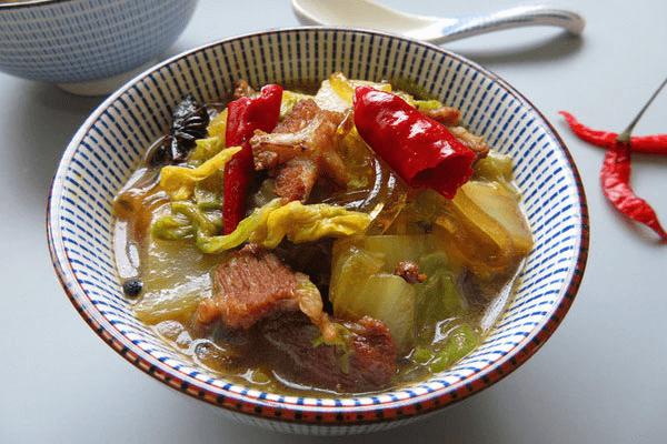 白菜猪肉炖粉条的自制方法 第七步