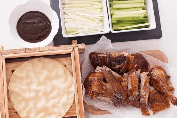 香酥的脆皮烤鸭吃过不能忘,回味无穷第六步