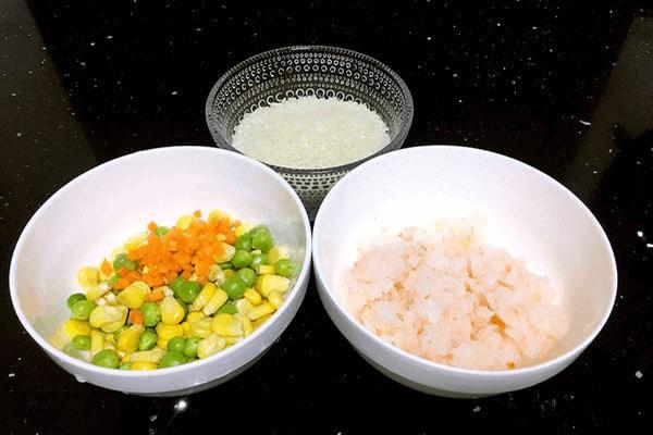 在家自己如何做出潮汕磷虾时蔬砂锅粥第一步