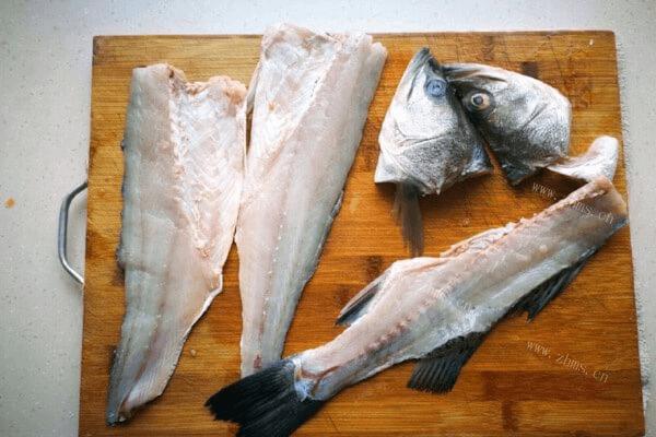美味的清汤鱼火锅做法超级简单哟第一步