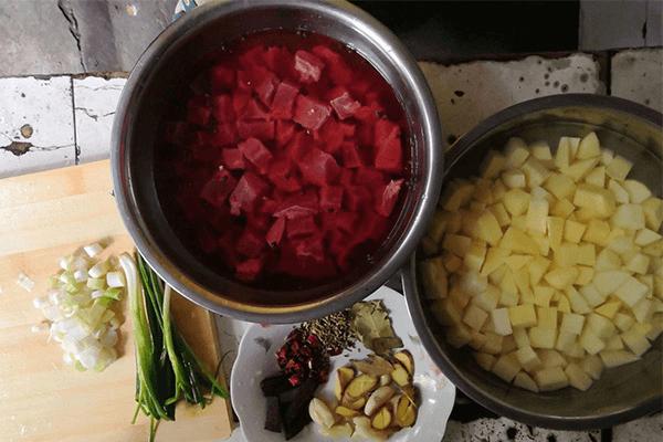 家常自制版红烧牛肉,吃面再也不吃康师傅第二步