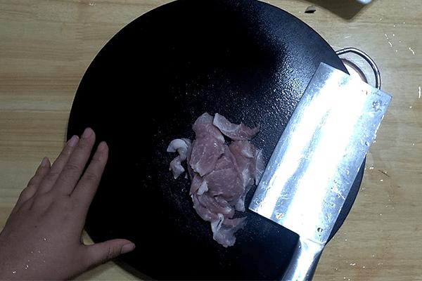美味皮蛋瘦肉粥,早起喝一碗,惦记一整天第二步