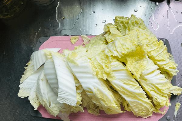 必学的酸酸开胃菜:醋溜白菜第二步