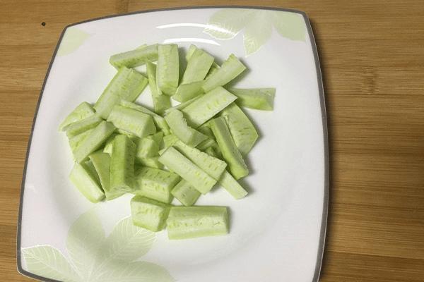鲜到掉舌头的香菇汤原来这么简单,做好之后下饭下面都可以第一步