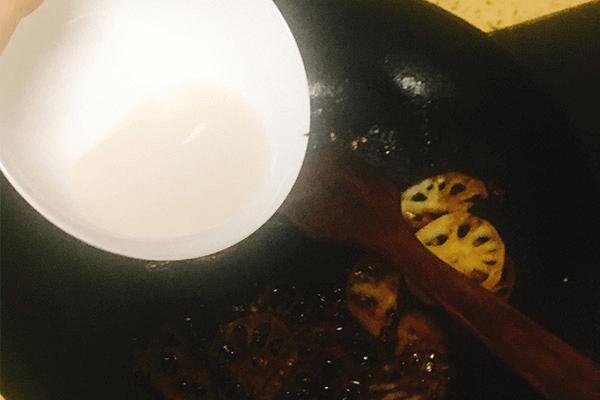 简单易学的家常糖醋藕片来了!第九步