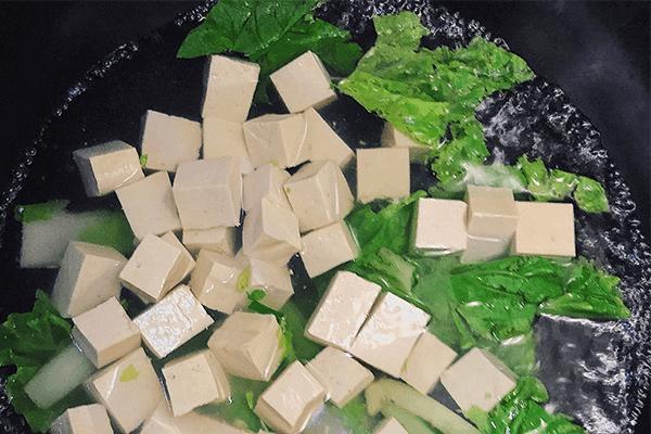 學會白菜豆腐湯,營養美味喝進去第五步