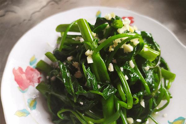 藤菜的凉拌吃法:蒜泥空心菜第七步