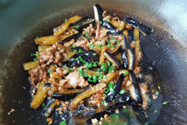 这道菜好吃就是费米饭:肉末茄子第六步