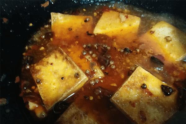 手把手教你做红烧豆腐,比饭扫光还下饭第六步