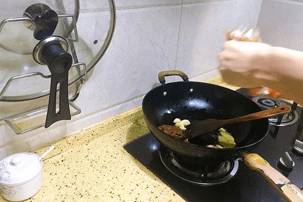 家庭自制簡單火鍋, 食材自己購買自己處理,吃得更放心第二步