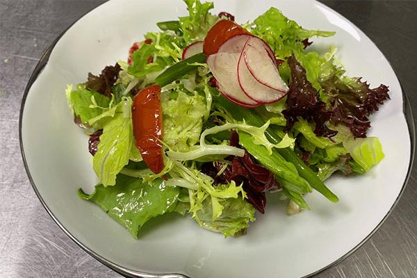 減脂期也不要虐待自己的胃,這份健康低卡又好吃的的蔬菜沙拉食譜你要好好保存第五步