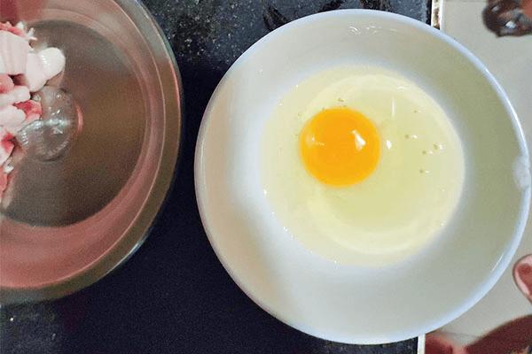 黄瓜炒鸡蛋这么简单,你还不学起来第二步