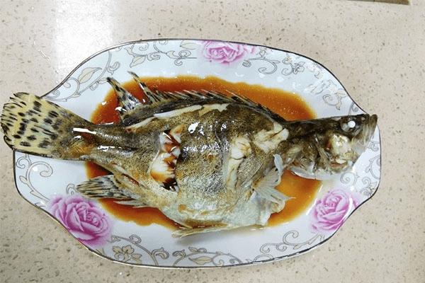 做法万能的清蒸鱼,换成任何喜欢的鱼都能蒸得很好吃第九步