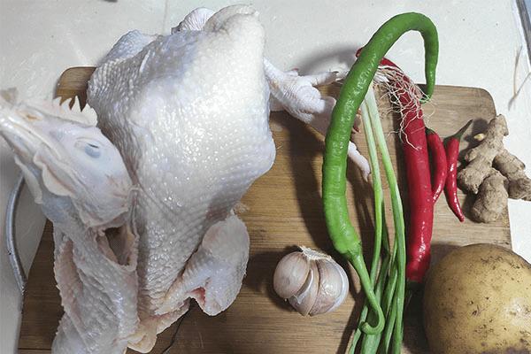 家常版大盤雞做法來襲,再也不怕沒有拿手好菜鎮場面了!第一步