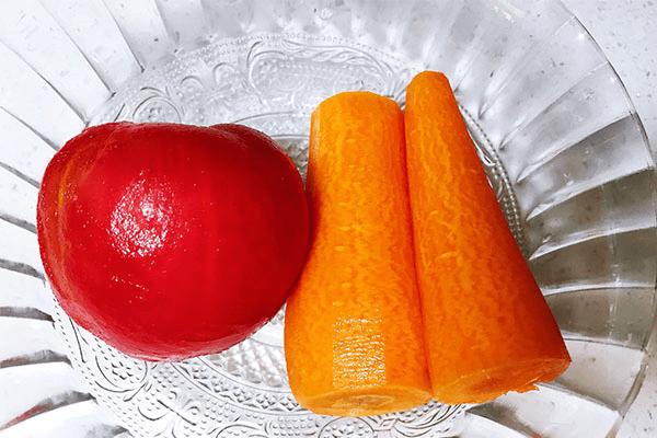 胡萝卜西红柿汁,营养都在汤中第一步