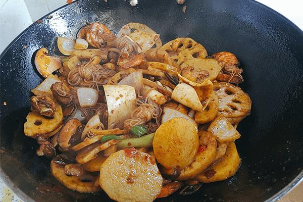 想吃的菜都能一鍋端的麻辣香鍋,朋友來了都要指定這道菜!第十六步