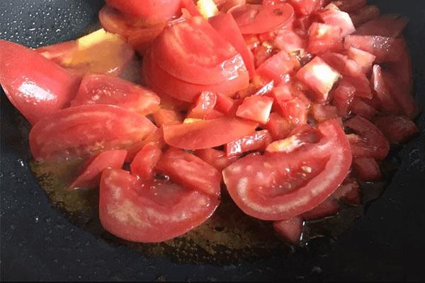 学会西红柿疙瘩汤就不用煮饭了,一锅就能吃到饱第五步