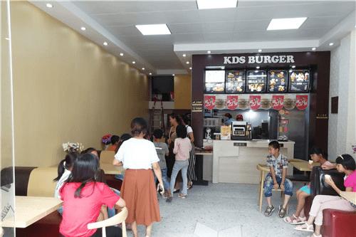 【十大漢堡品牌】說一說快樂星漢堡是如何讓加盟商盈利的?