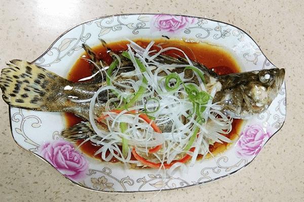 做法万能的清蒸鱼,换成任何喜欢的鱼都能蒸得很好吃第十一步
