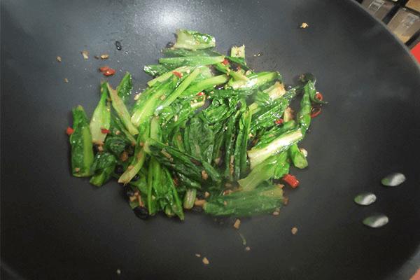 这样做出来的豆豉油麦菜,吃过之后你想天天吃第六步