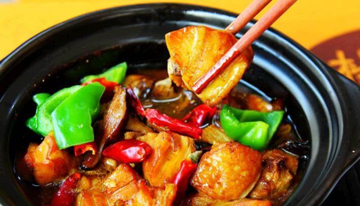 美味坊黄焖鸡米饭品牌介绍图1